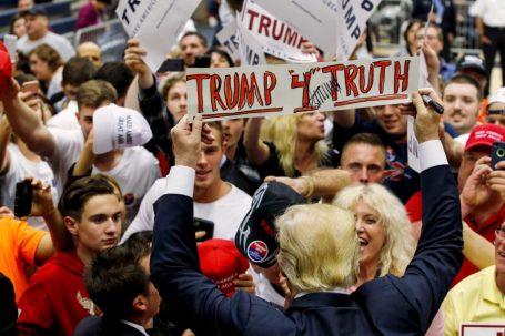 trump-4-truth.jpg.size.custom.crop.1086x725.jpg